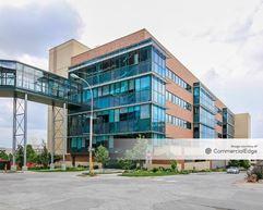 Children's Mercy Adele Hall Campus - Professional Office Building - Kansas City