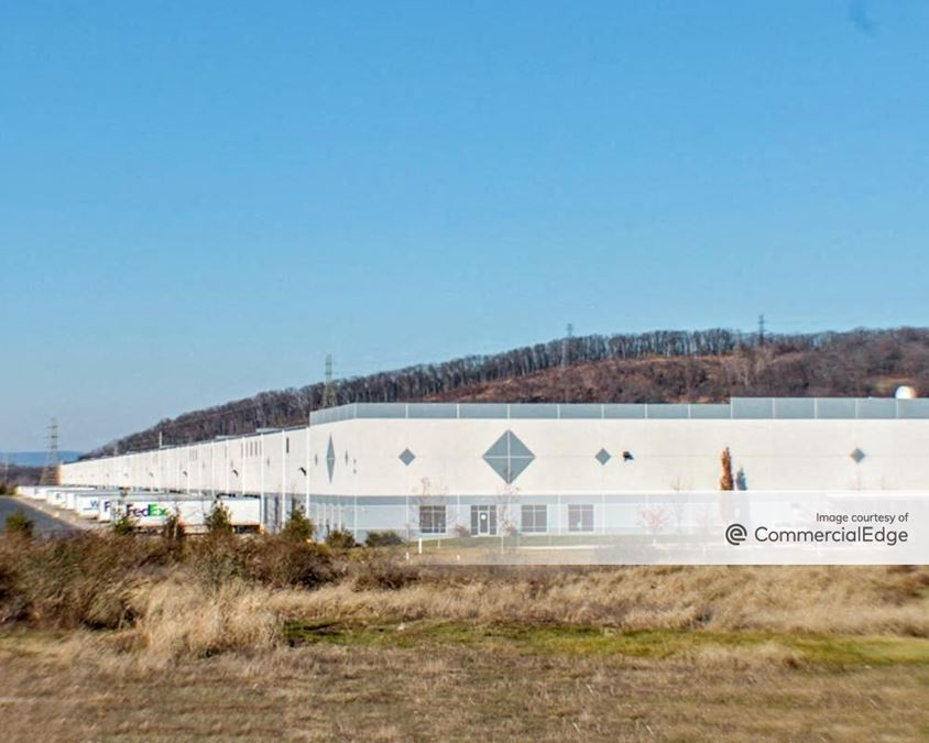 Lehigh Valley Industrial Park VII - 2785 Commerce Center Blvd