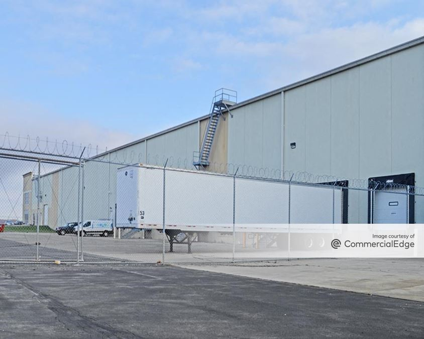 Turnpike Distribution Center