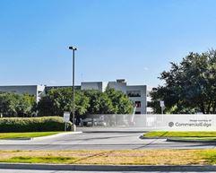 The 1600 Lamar Building - Arlington