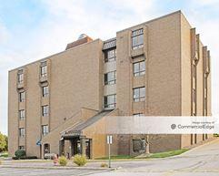 Middleburg Heights Medical Arts I & II - Middleburg Heights