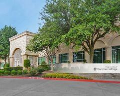 The Offices at Green Oaks - Arlington