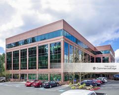 Kruse Woods Corporate Park - 4800 Meadows - Lake Oswego