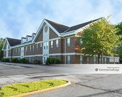 Grand Bay Office Park - Brecksville