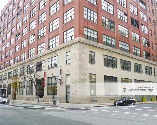 435 Hudson Street