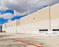 Airtex Commerce Center - 431 East Airtex Drive - Houston