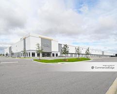 Tampa Regional Industrial Park - Building 13040 - Gibsonton
