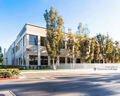 Discovery Business Center - 48 Discovery - Irvine