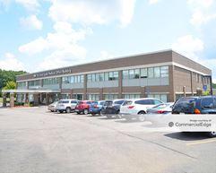 Detroit Medical Center Huron Valley-Sinai Hospital - Sinai Guild Medical Office Building - Commerce