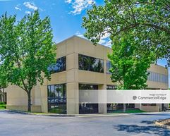 Leawood Office Building - 8700 State Line Road - Leawood