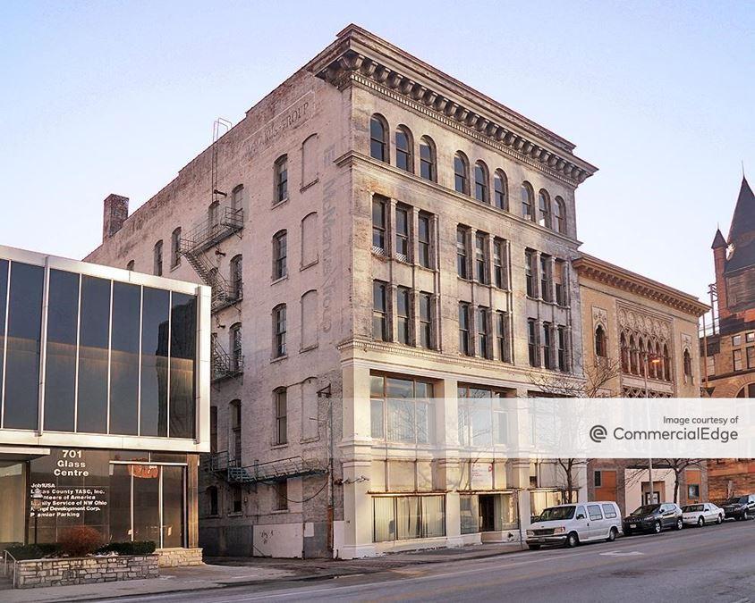 725 Jefferson Avenue