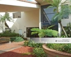 Offices in the Lakes - Miami Lakes