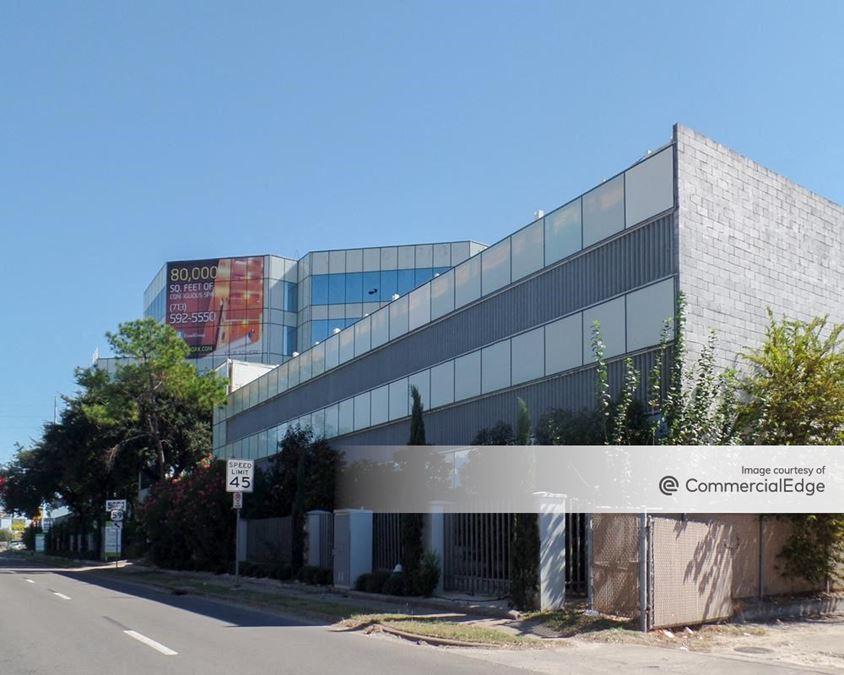 Galleria Oak Towers - 5851 Southwest Fwy