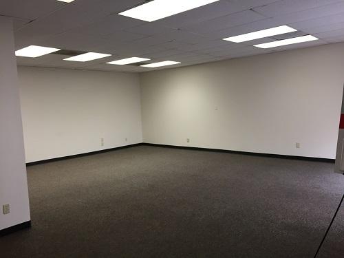 827 SQFT open office suite