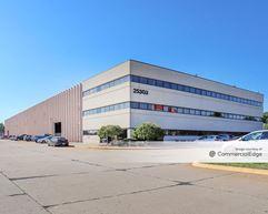 Paslin Company Headquarters - Warren