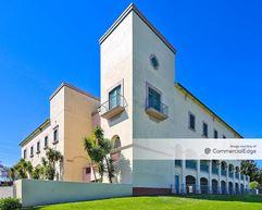 La Paz Building - Salinas