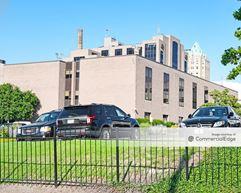 Saint Louis University - Doctors Office Building - St. Louis