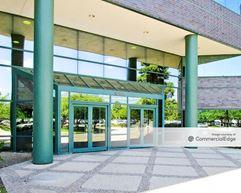 Arboretum Lakes - 1001 Warrenville Road - Lisle