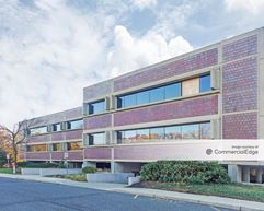 Sylvan Corporate Center 2 - 920 Sylvan Avenue - Englewood Cliffs