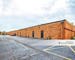 Salt Creek Office Center - 2000-2060 East Algonquin Road - Schaumburg