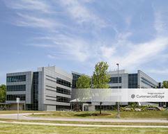 Jackson National Life Insurance Lansing Campus - 8 Corporate Way - Lansing