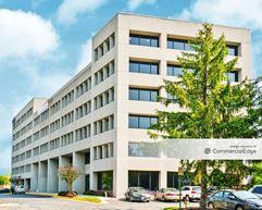 Prosperity at Merrifield - 2751 Prosperity Avenue - Fairfax