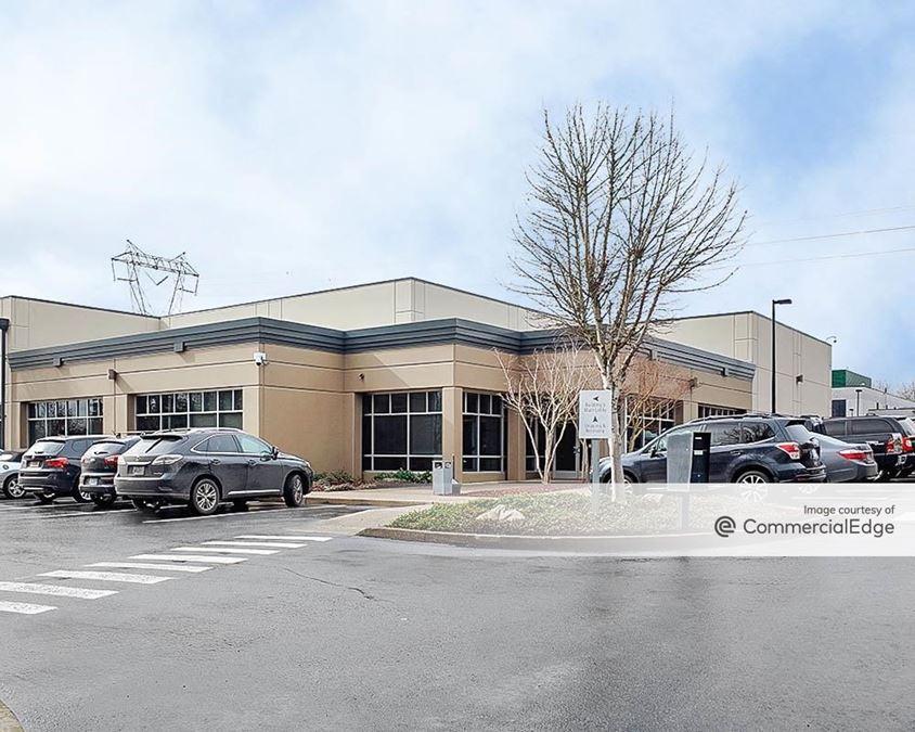 SunTech Corporate Park - 3295 NE 83rd Avenue