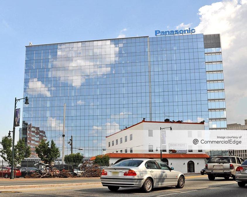 2 Riverfront Plaza