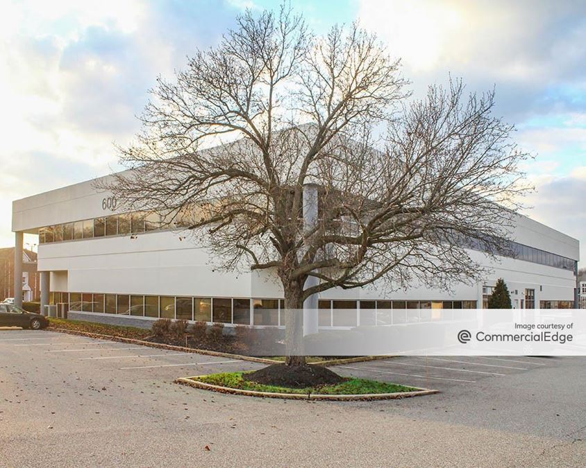 The Campus - 600 Willowbrook Lane