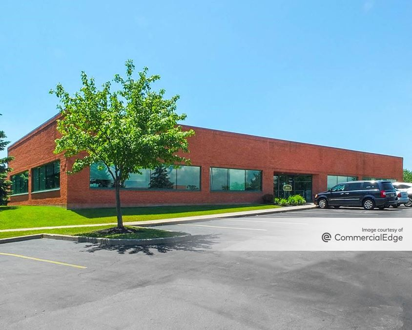 Centerpointe Corporate Park - 425 Essjay Road