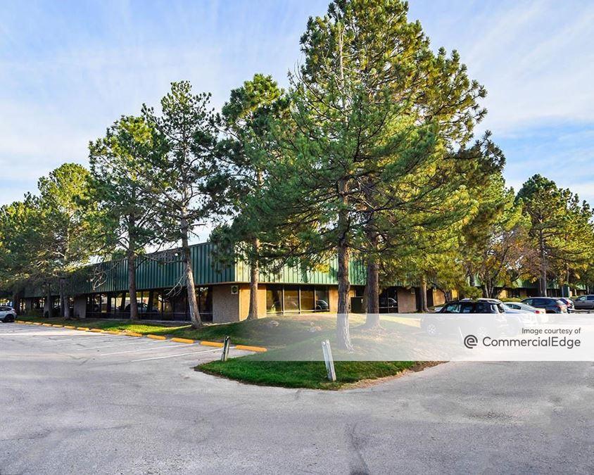 Pine Creek Business Center - 4700-4760 Oakland Street & 4725-4755 Paris Street