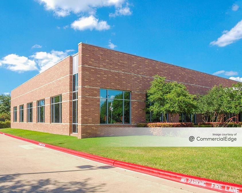 Amber Oaks Corporate Center - Buildings I & J