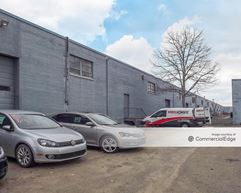 Oakville Industrial Park - Buildings 5, 6, 300 Swann Avenue - Alexandria