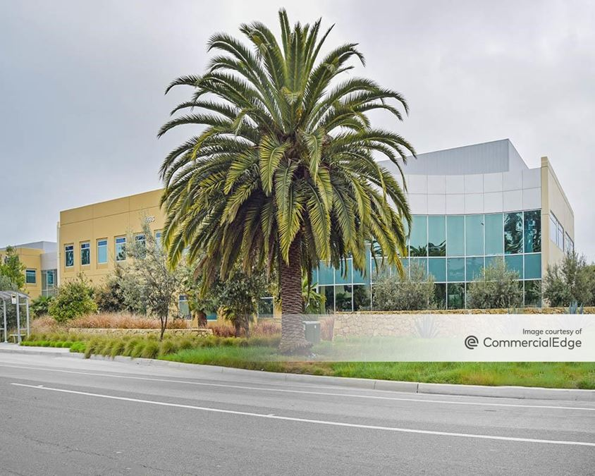 Cabrillo Business Park - 6649 & 6693 Hollister Avenue