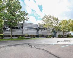 695 Kenmoor Avenue SE - Grand Rapids