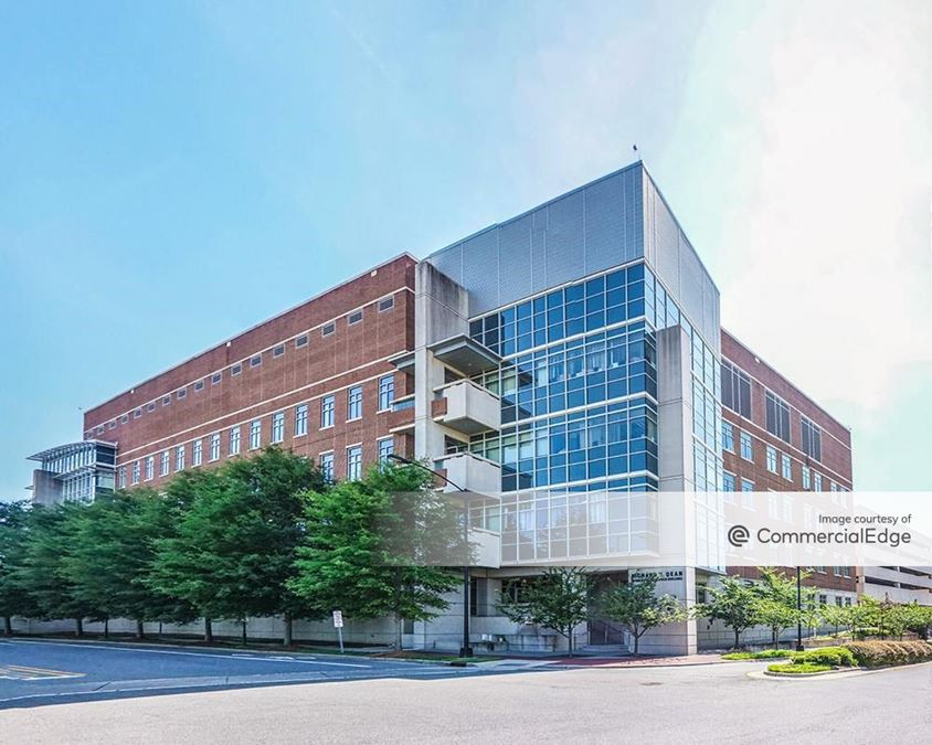 Wake Forest Innovation Quarter - Richard H. Dean Biomedical Research Building