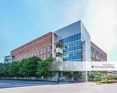 Wake Forest Innovation Quarter - Richard H. Dean Biomedical Research Building - Winston-Salem