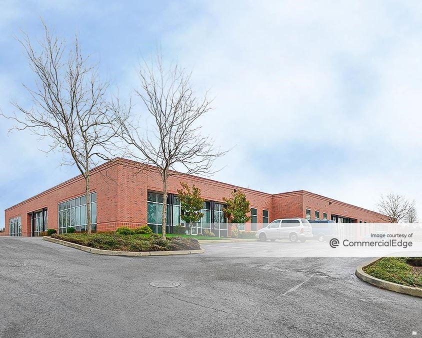 AmberGlen Business Center - Building 8875