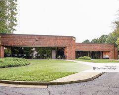 Royal Phoenix Business Campus - Buildings 400-600 - College Park