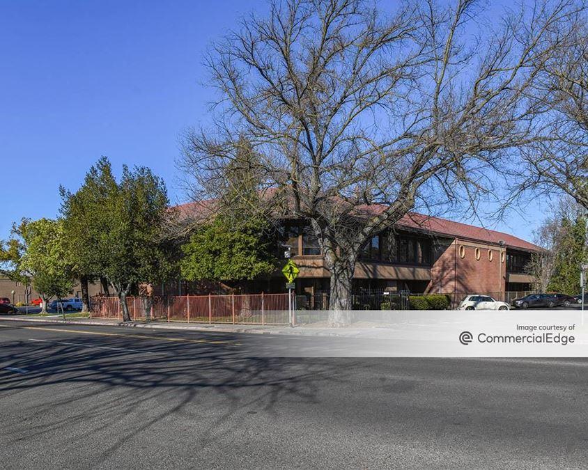 2800 North California Street