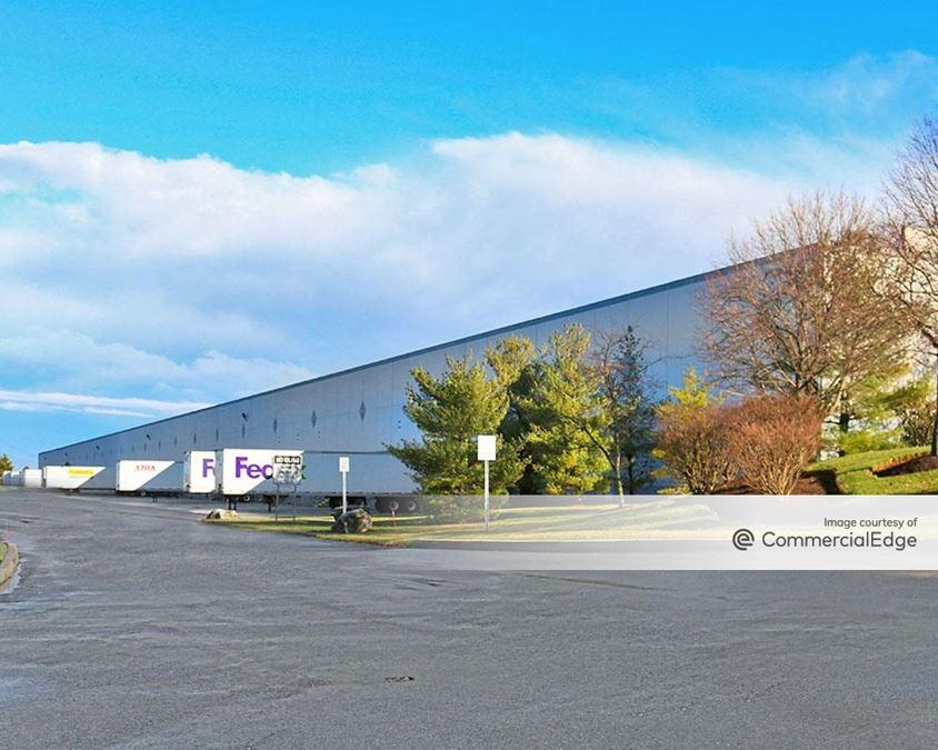 Boulder Business Center - 651 Boulder Drive