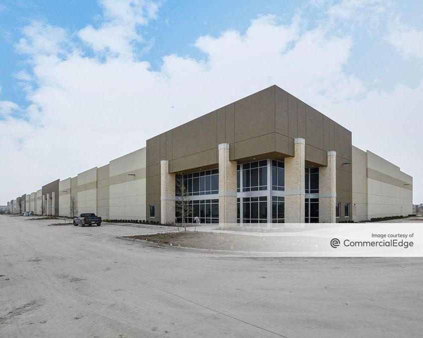 Everman Trade Center - Building C