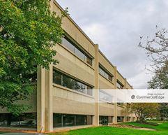 Executive Center IV - Brookfield