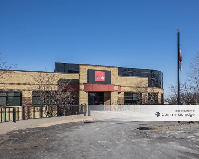 Arden Hills Corporate Center
