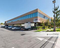 Fallbrook Office Plaza - West Hills