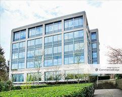 Sunset Corporate Campus - Bldg 1 - Bellevue