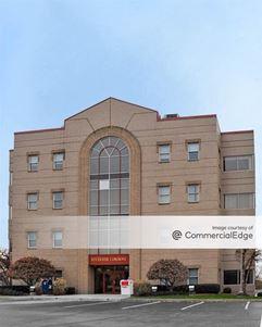 Riverside Commons Building - Kingston