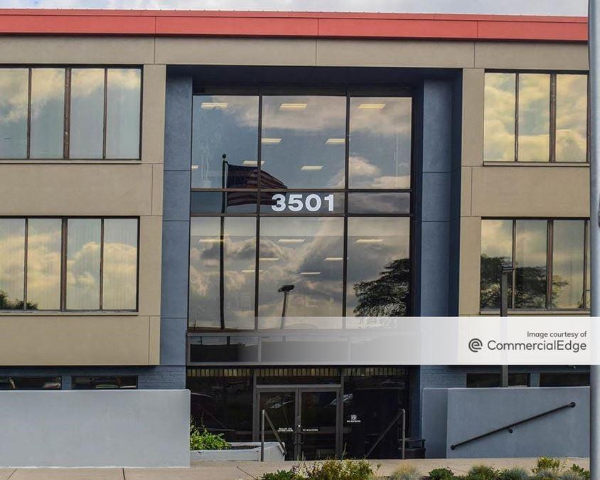 3501 Lake Eastbrook Blvd SE