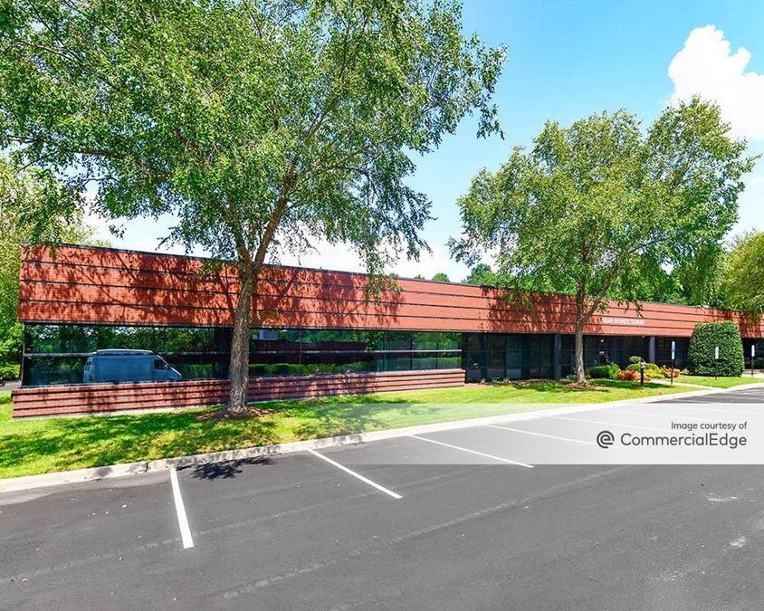 Aerial Center Executive Park - 5001 Hospitality Court
