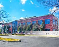 Innsbrook Corporate Center - Highwoods Commons - Glen Allen